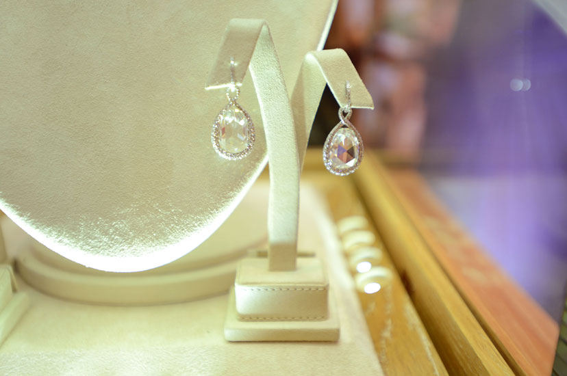 Jennifer Lawrence´s red carpet Earrings worn at the 2013 Oscars