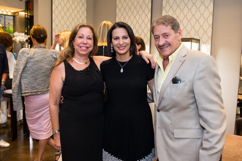 Nancy Esteves, Erika Miranda, Alfredo Esteves