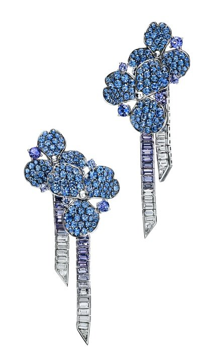 Earrings in platinum with baguette and round sapphires, baguette and round tanzanites and baguette diamonds.