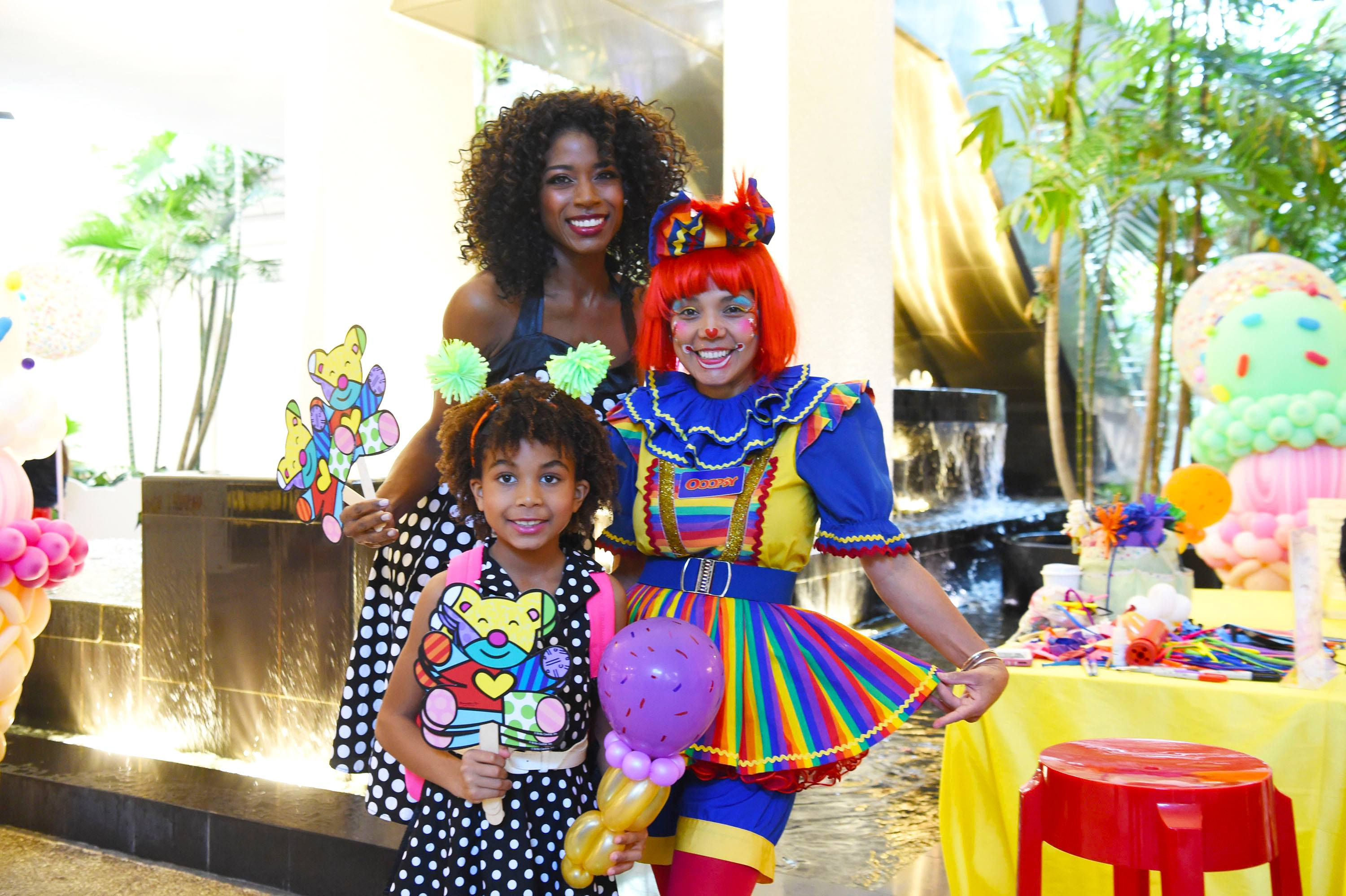 Guests enjoy Oopsy The Clown at Ice Cream We Love 2019