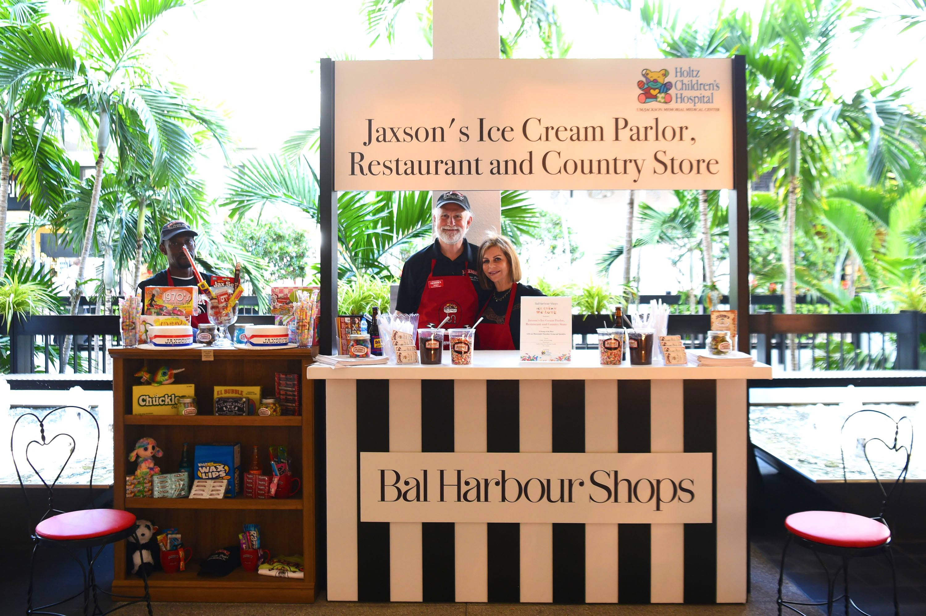 Jaxson's Ice Cream Parlor, Restaurant & Country Store