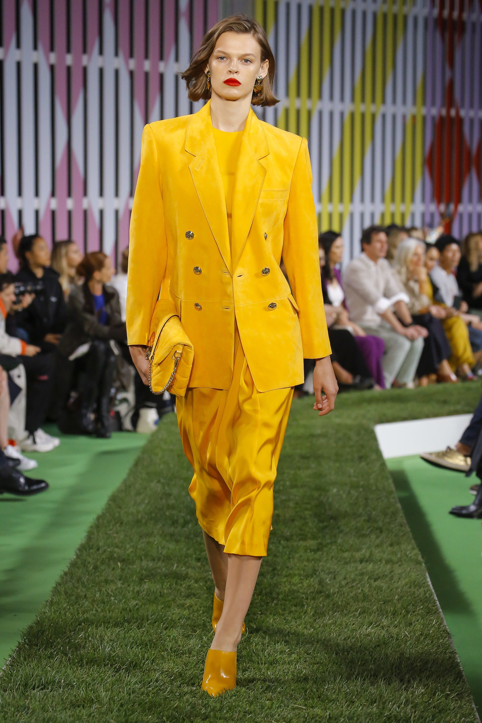 Escada Spring 2019 runway, golden yellow skirt suit double-breasted