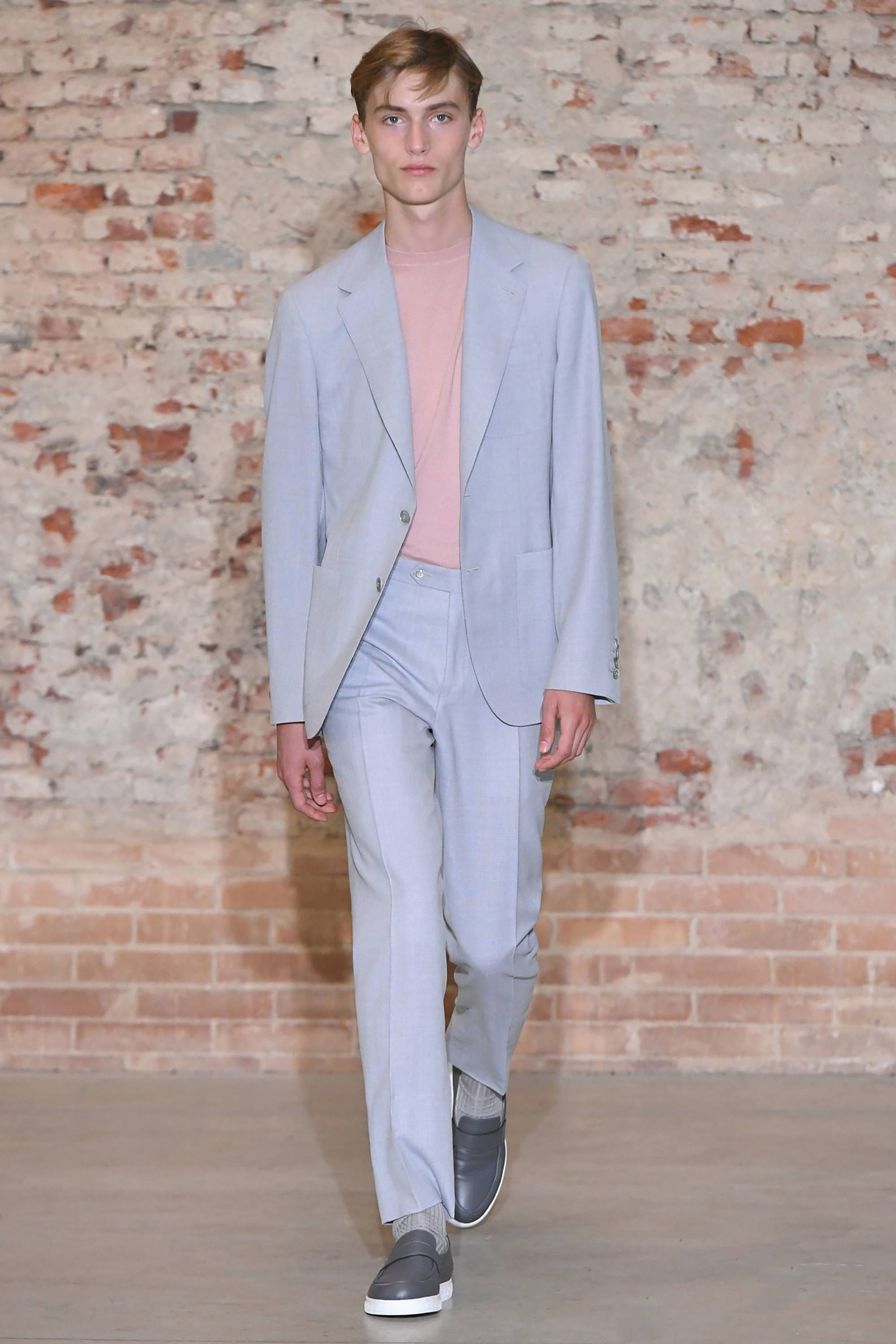 Canali Spring 2019 Runway Pastel Suiting
