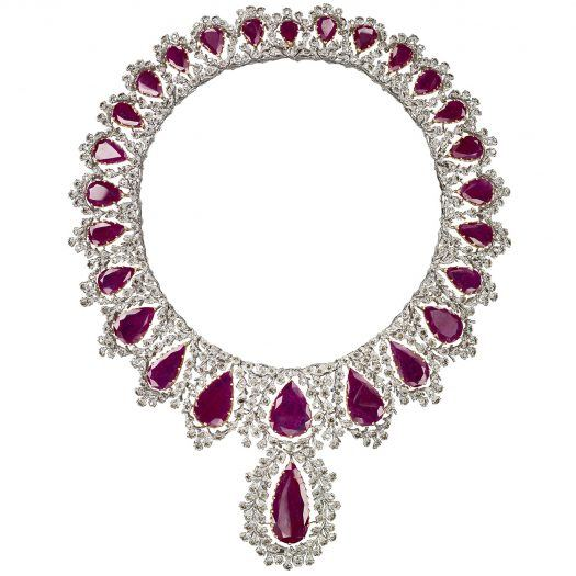 Buccellati Unica Necklace in 18k white gold with 469 round brilliant-cut diamonds (25.69 cts), 26 drop-shaped rubies (212.8 cts) and one faceted ruby (2.15 cts)