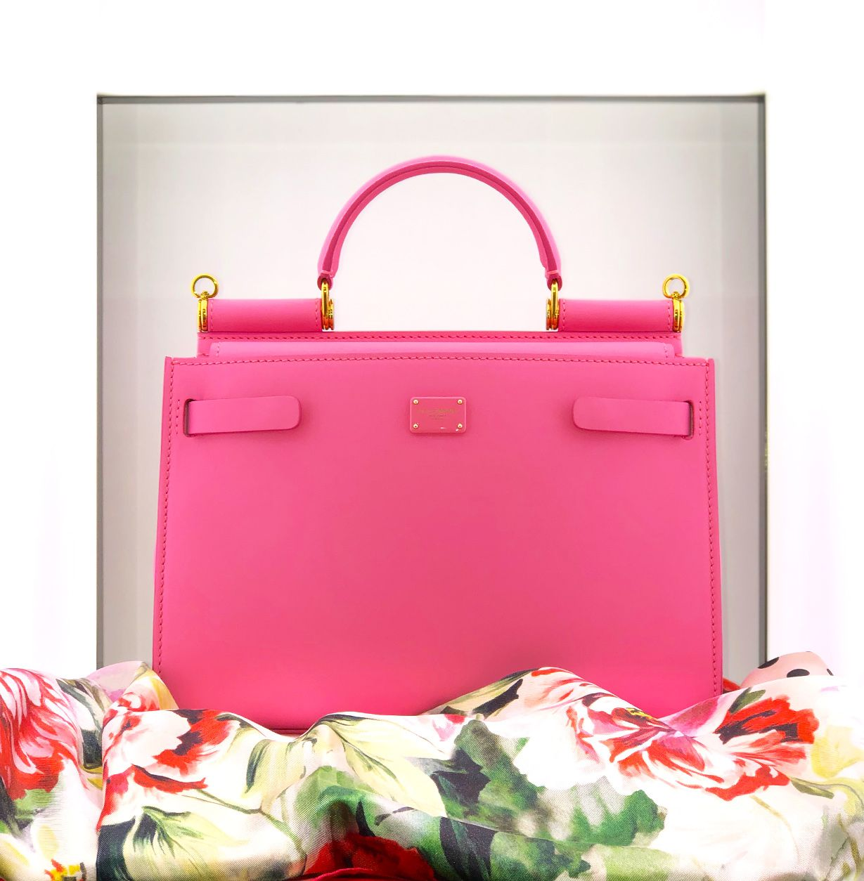 Dolce & Gabbana limited quantity Sicily 62 bag in pink