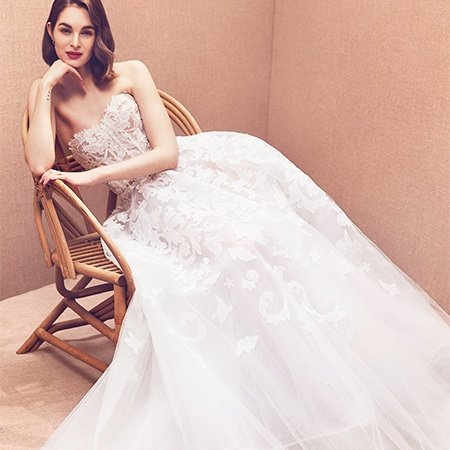 Strapless embroidered tulle gown with beautiful filigree embroidery completed by 15 artisans in a total of 250 hours