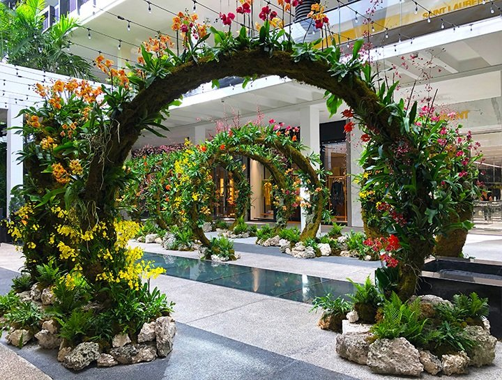 #MoongatesBHS was comprised of thousands of multicolored orchids that was showcased in the center courtyard of Bal Harbour Shops.
