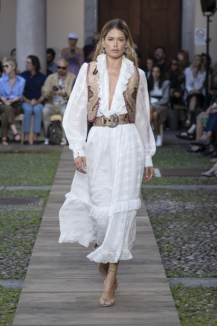 Etro Summer 2020 Runway look white dress
