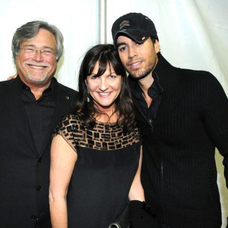 Micky and Madeleine Arison and Enrique Iglesias