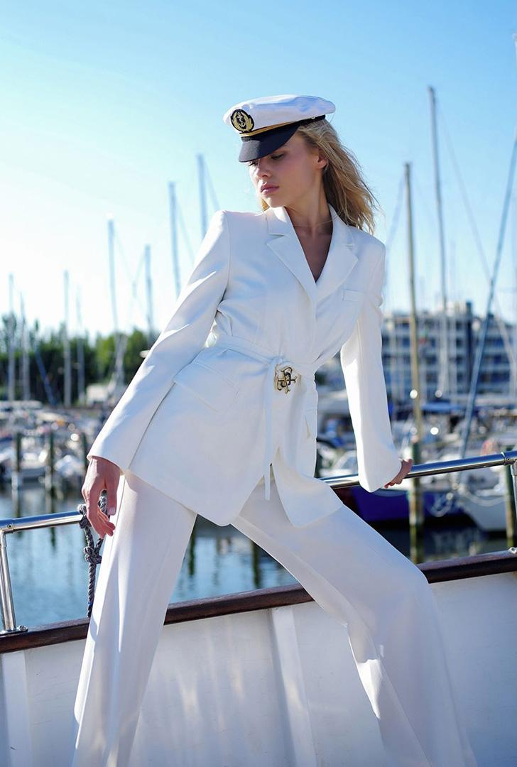 Double P Blazer with Buckle & High-Waisted Trousers with Golden Buttons