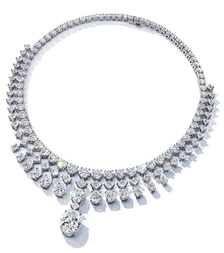Clara Necklace in platinum with an oval diamond of over 11 carats and mixed-cut diamonds of over 65 carats from the Extraordinary Tiffany 2020 High Jewelry Collection.