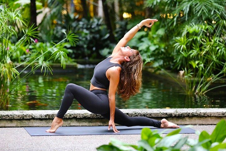 Every Monday, join Shayne Cohen for a 9:30 AM yoga class in the Level 3 Center Square at Bal Harbour Shops. Photo by Andrea Cespedes.