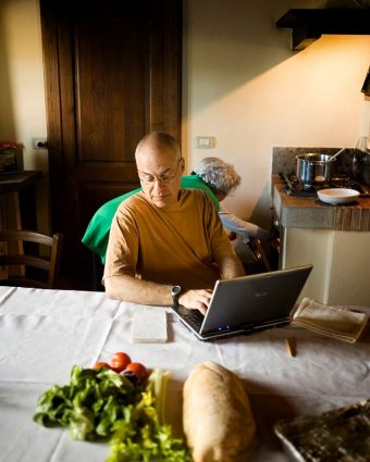 """Bittman in the Tuscan kitchen of his friend Olga, who taught him how to make """"the best vegetable soup ever."""" We have the recipe at the end of this interview. Photo by Lorenzo Pesce/Contrasto/Redux."""