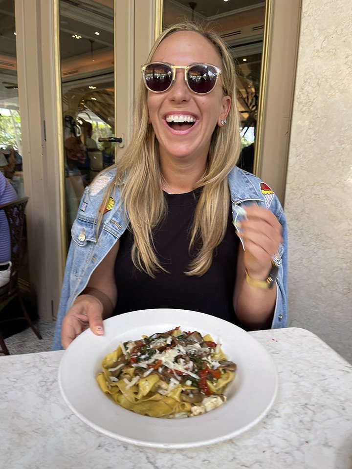 Dana Rozansky of @MIAMI_FoodPorn dining at Carpaccio Bal Harbour for our #BHSLovetoEat Series.