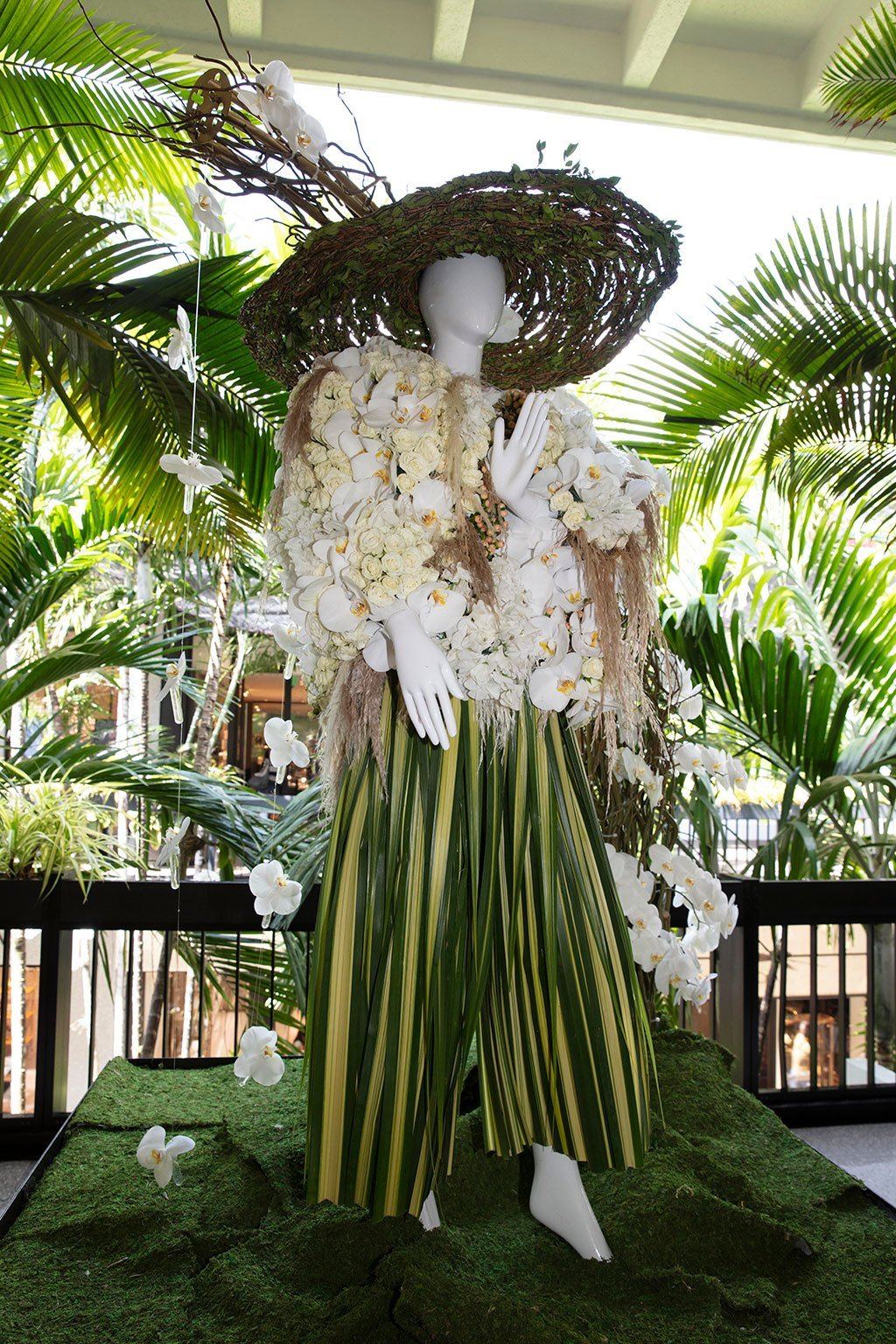 Lafayette 148 New York Mannequin Created by Luxury Flowers Miami. Photo by Theodora Richter