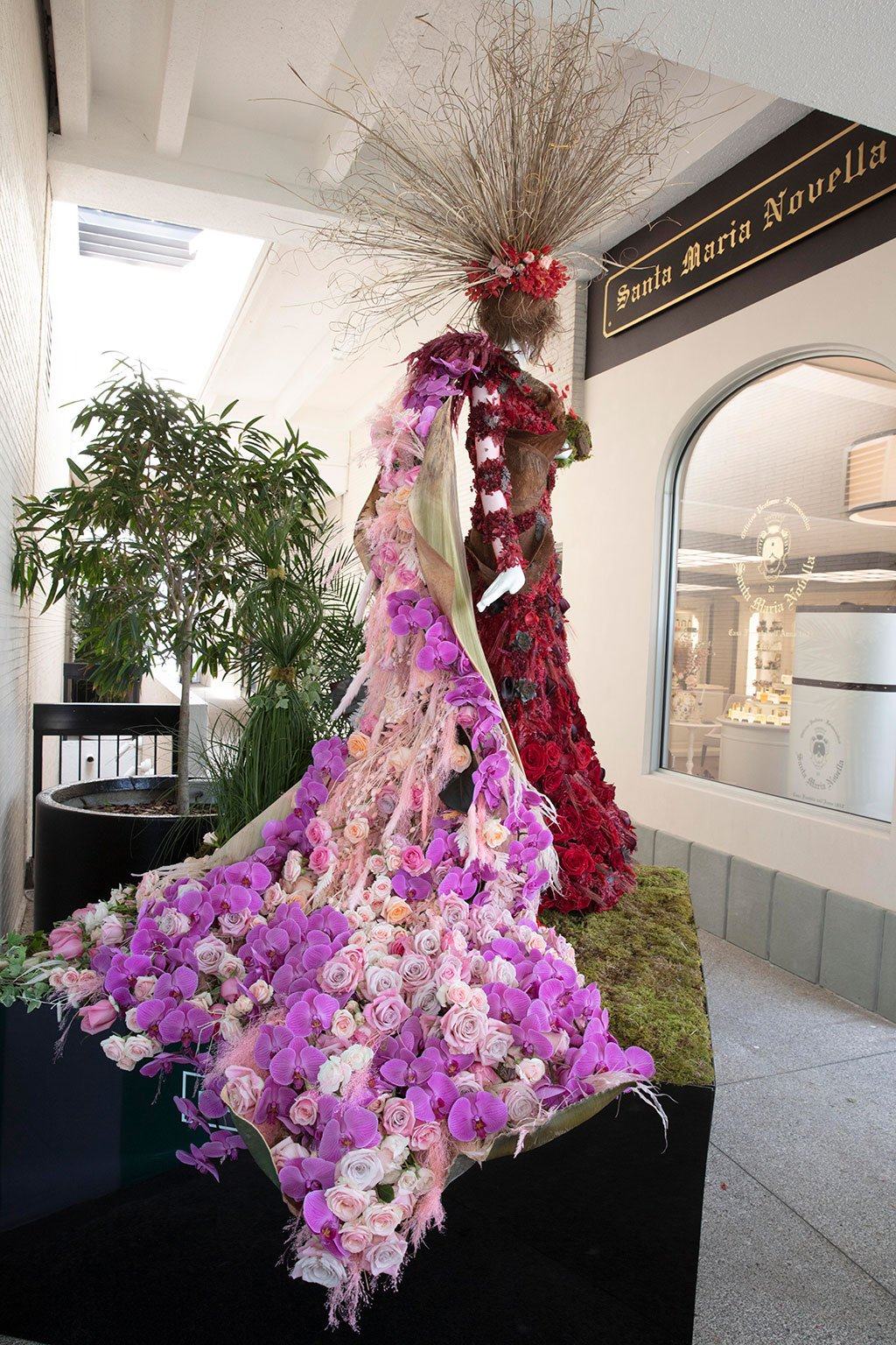 Red Market Miami Mannequin Created by A Lavish Event Design. Photo by Theodora Richter