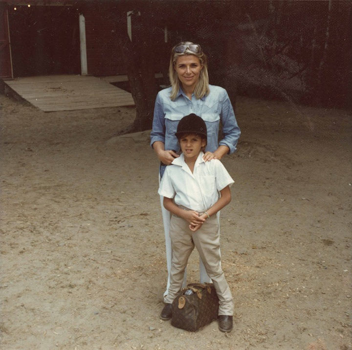A young Tory Burch with her mother, Reva. Image courtesy of Tory Burch.